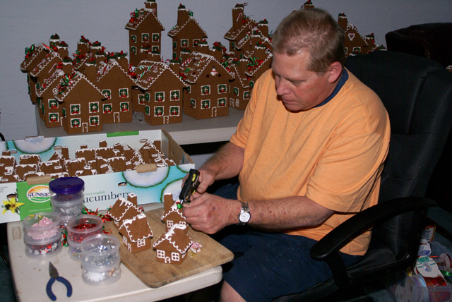 'Gingerbread' Style Houses-decoration